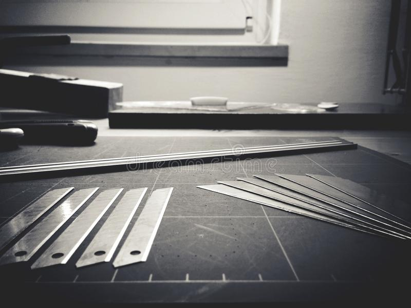 Olika instrument av en arkitekt arkivbild