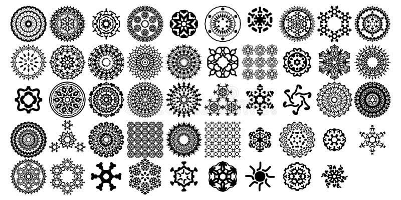 Olika mandalasamlingsupps?ttningar Boho stil Vektormappar kan appliceras f?r att skriva ut och digitalt massmedia stock illustrationer