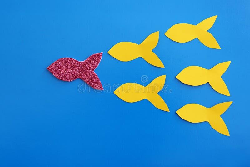 Olika pappersfiskar och en vektor illustrationer