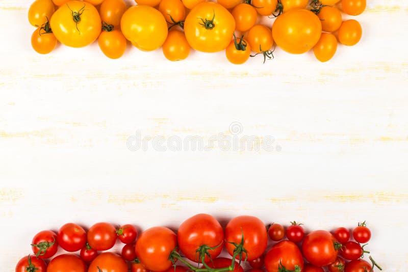 Olika sorter av nya tomater royaltyfri bild