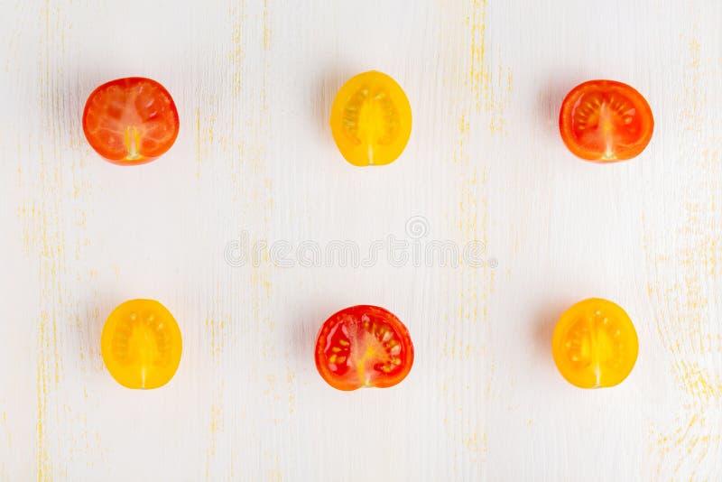 Olika sorter av skivade tomater arkivfoton