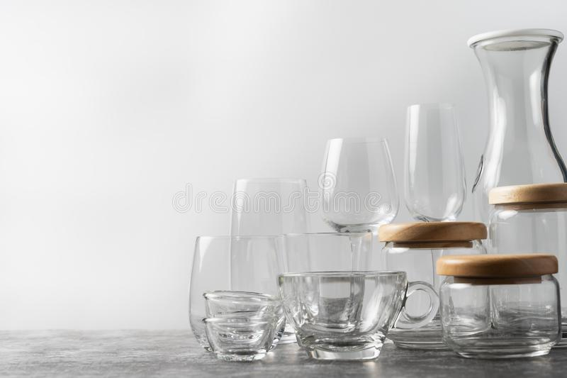 Olika stilar av exponeringsglas som förläggas på golvet royaltyfria foton
