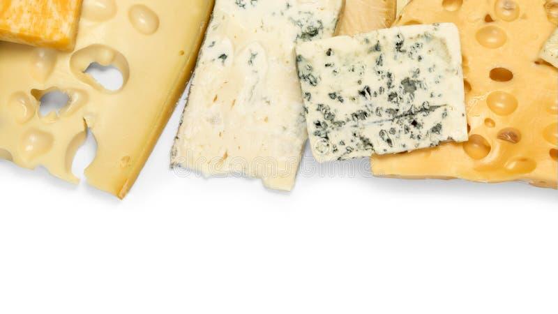 Olika typer av ost som isoleras på vit arkivfoton