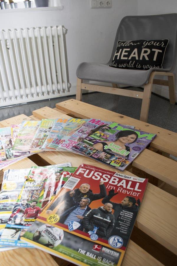 Olika typer av tyska tidskrifter arkivfoton