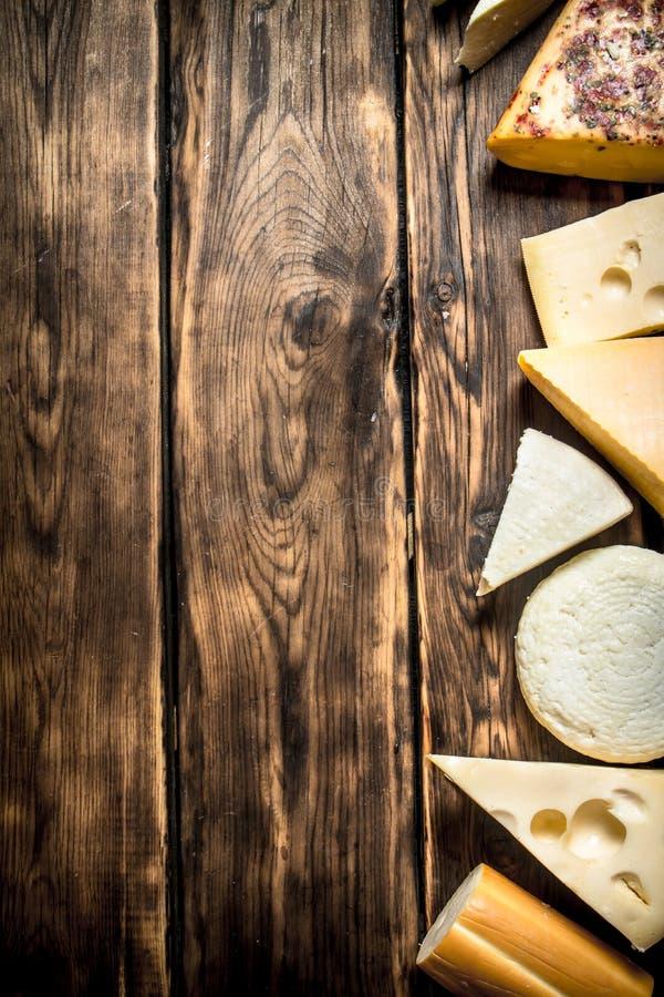 olika typer för ost royaltyfri fotografi