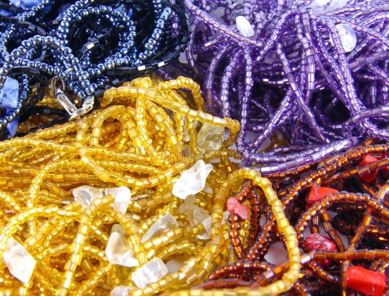 olikt crystal halsband royaltyfria bilder