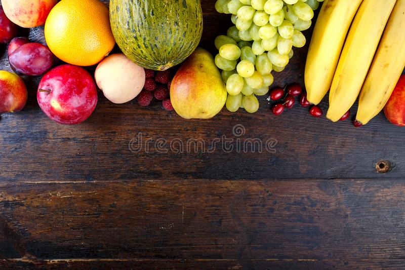 Olikt fruktst?lle f?r text arkivfoto