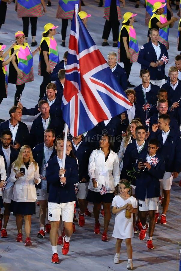 Olimpijski mistrz Andy Murray niesie Zjednoczone Królestwo chorągwianego prowadzący Olimpijskiego drużynowego Wielkiego Brytania  obrazy royalty free
