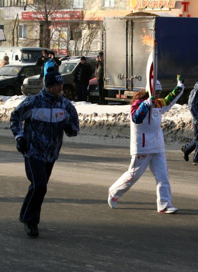 Olimpijski płomień. Ufa miasto, respublika Bashkortostan, Rosja, 20 Grudzień, 2013 roku. zdjęcie royalty free