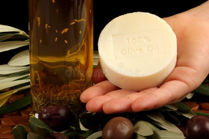 Olio di oliva, sapone, olive fotografie stock libere da diritti