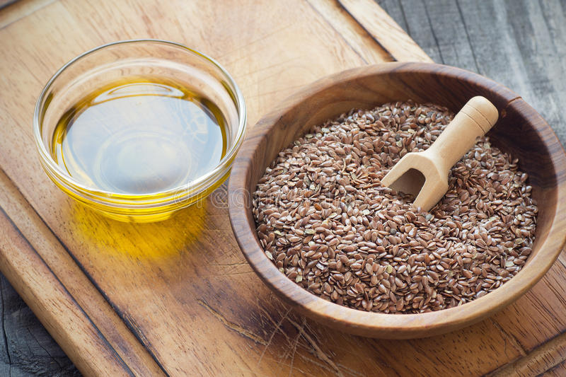 Olio di seme di lino immagini stock libere da diritti