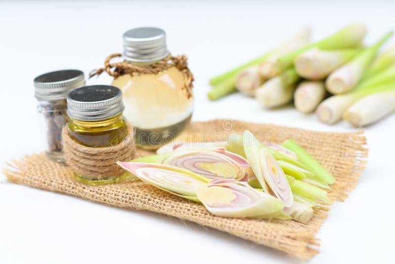 Olio essenziale della citronella con l'aromaterapia immagini stock