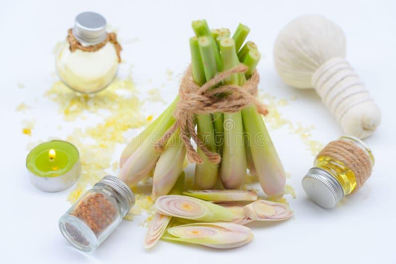 Olio essenziale della citronella con l'aromaterapia fotografie stock