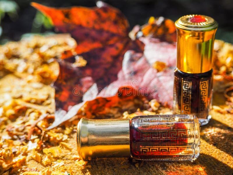 Olio fragrante Olio profumato Piccola bottiglia di Attar arabo immagini stock libere da diritti
