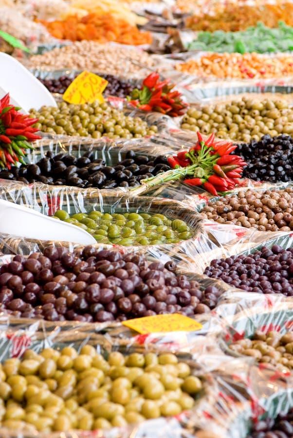 Olive del mercato libero fotografie stock libere da diritti