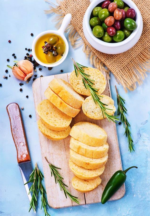 Olive e pane fotografia stock libera da diritti