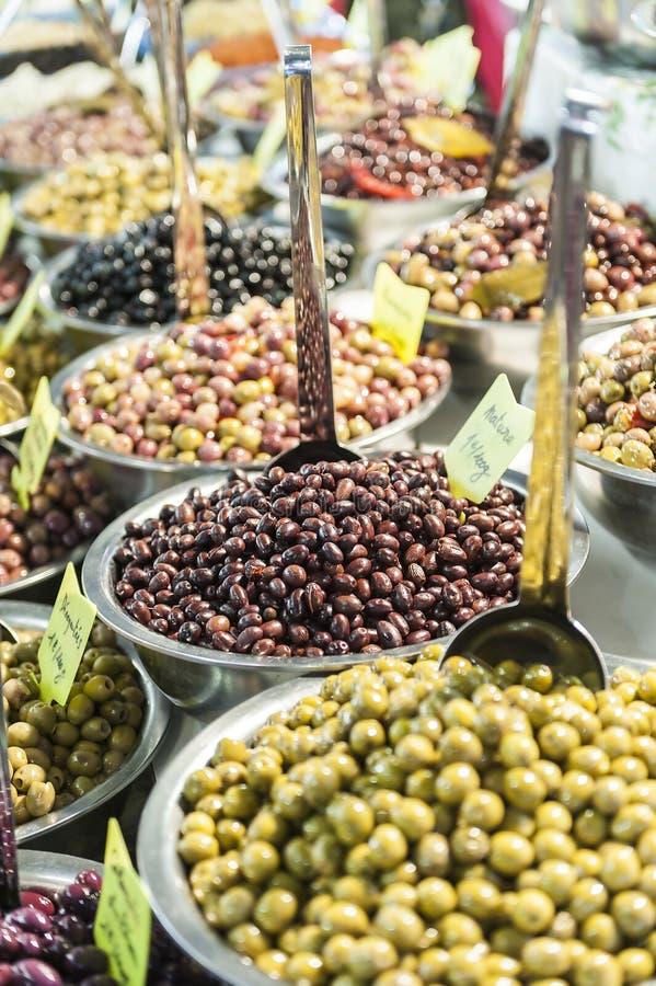 Olive marinate differenti fotografia stock