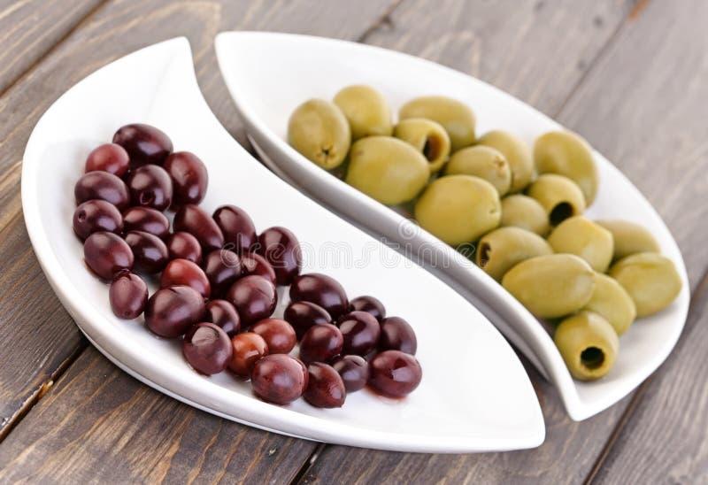 Olive marinate - studio s immagini stock