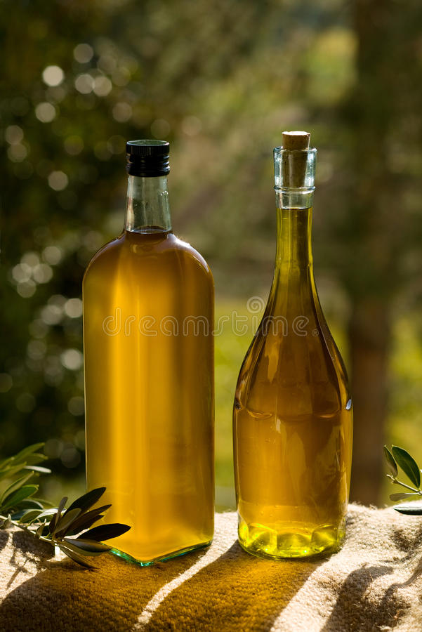 Free Olive Oil Royalty Free Stock Photo - 13764875