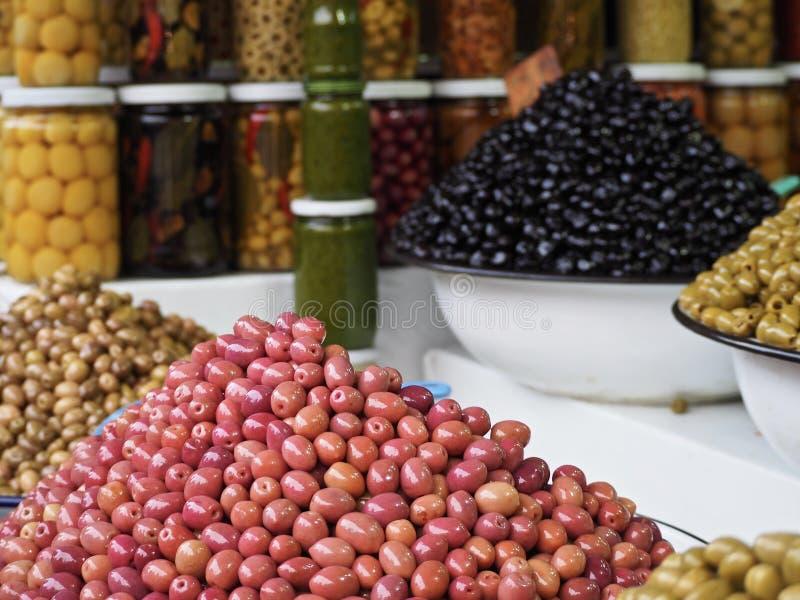Olive in un mercato a Marrakesh fotografie stock