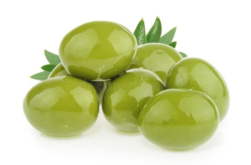 Olive verdi isolate su fondo bianco fotografie stock