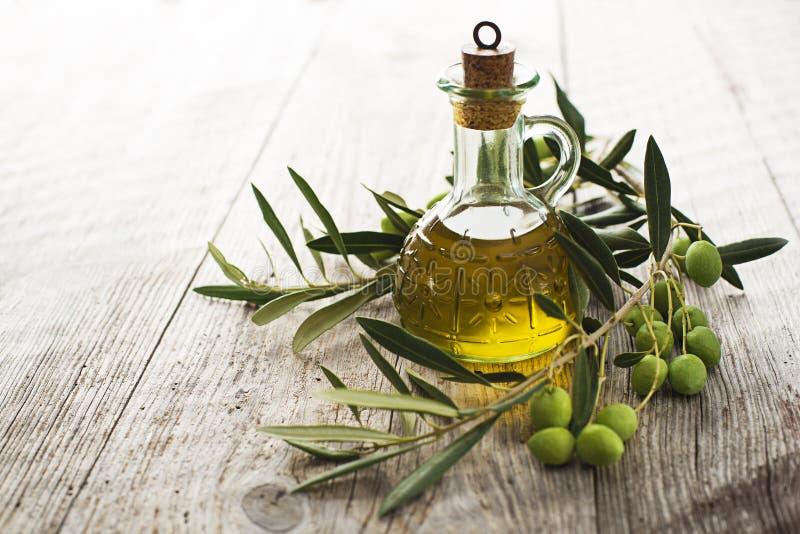 Olivenöl lizenzfreies stockfoto