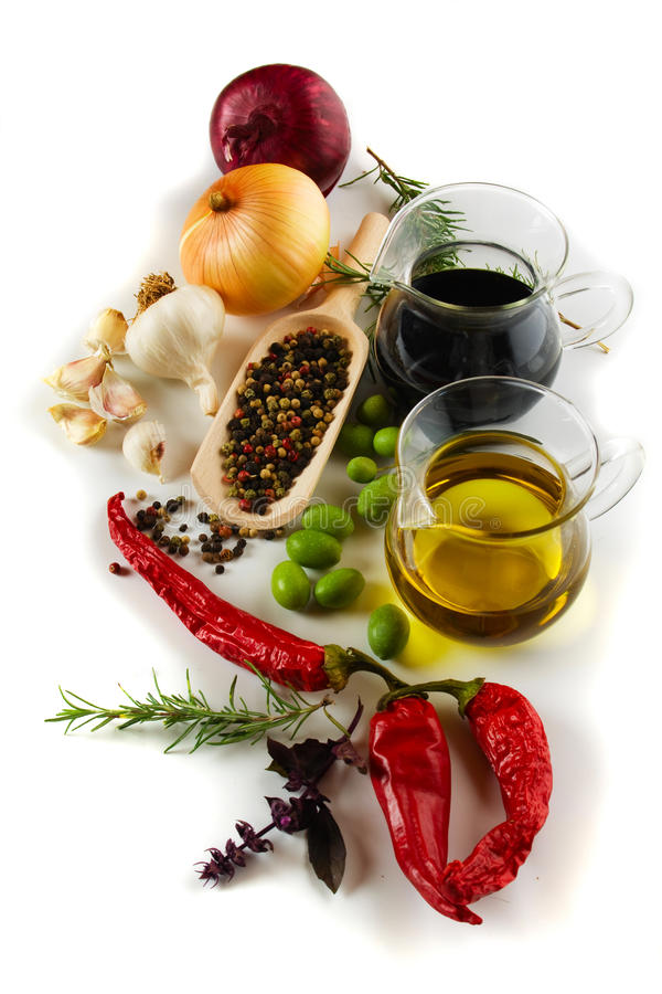 Olivenöl und balsamischer Essig stockbilder