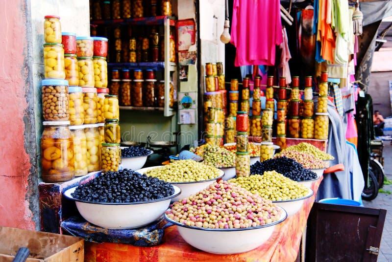 Oliven in Marrakesch. lizenzfreie stockbilder