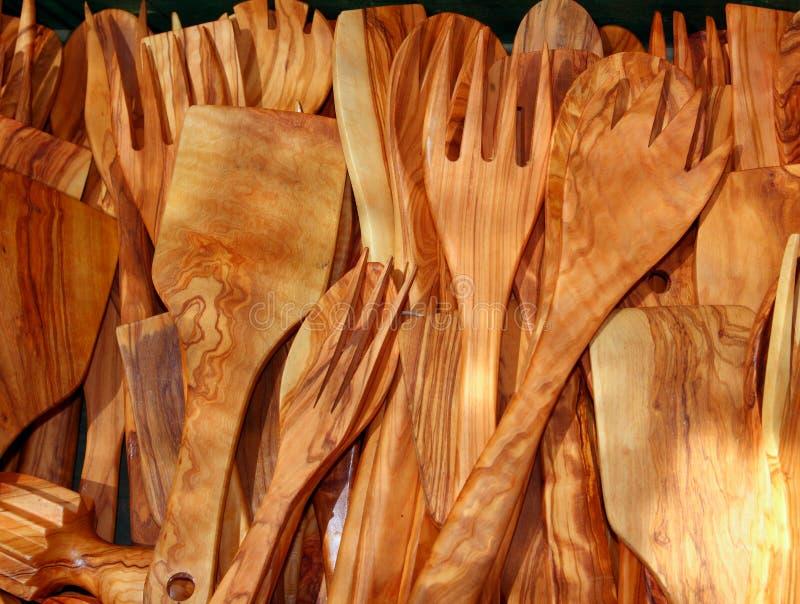 Olivenbaum-Holzküchenbedarf des Tischbestecks stockbild