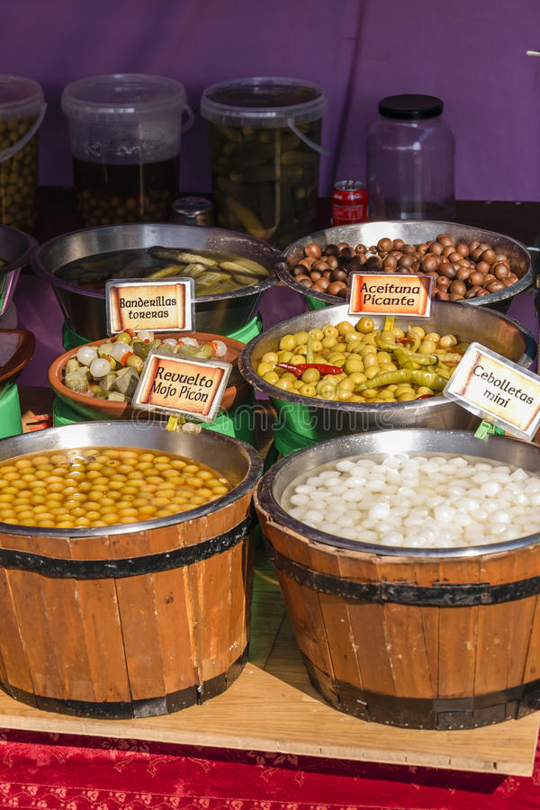 Olives et ciboulette image stock