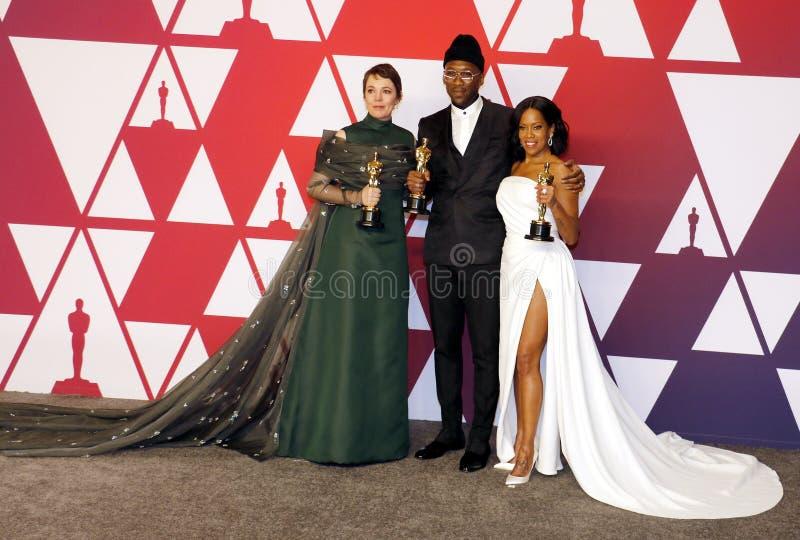 Olivia Colman, Regina King en Mahershala Ali stock foto's