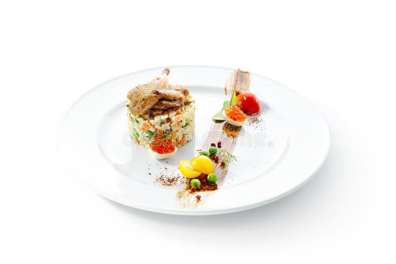 Olivier Salad of Russische Salade met Geroosterde Quai royalty-vrije stock foto's