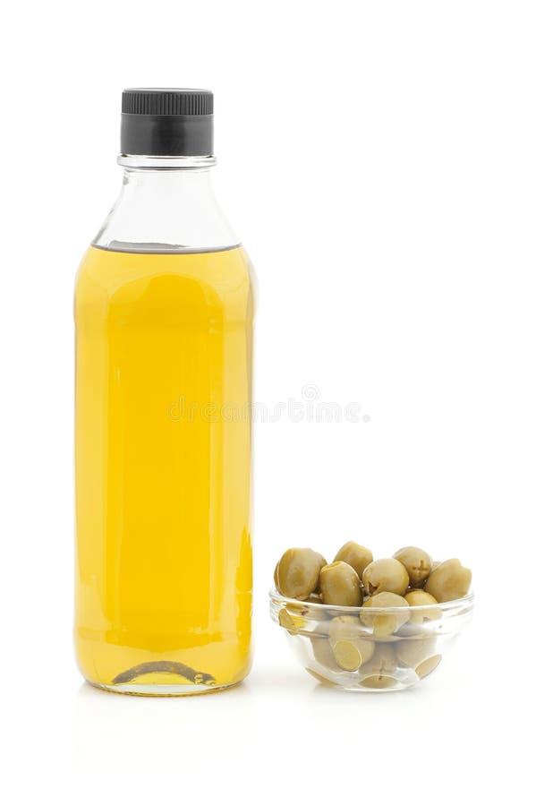 Olivolja och oliv. royaltyfria bilder