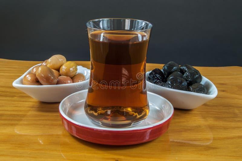 Oliwka i herbata zdjęcie royalty free