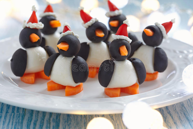 Oliwna pingwin przekąska fotografia stock