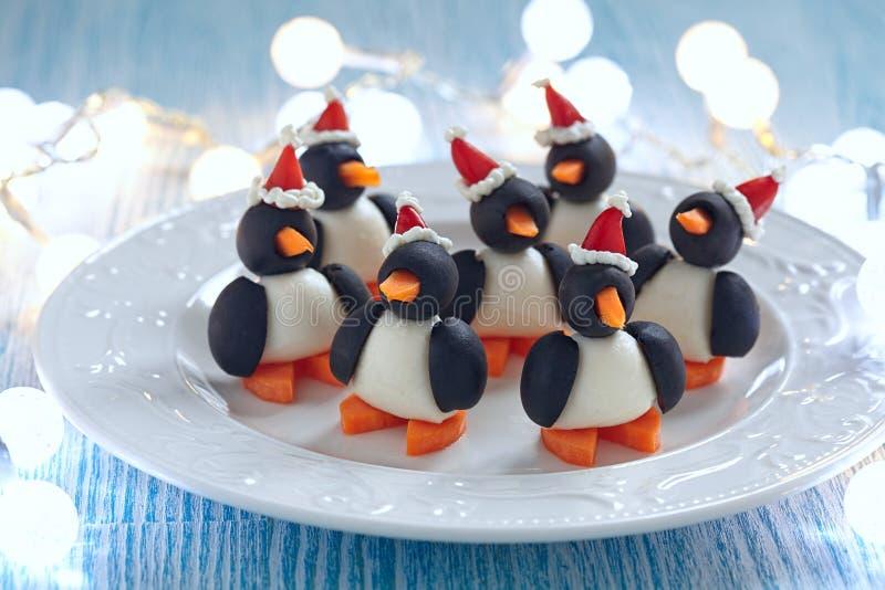 Oliwna pingwin przekąska zdjęcia royalty free