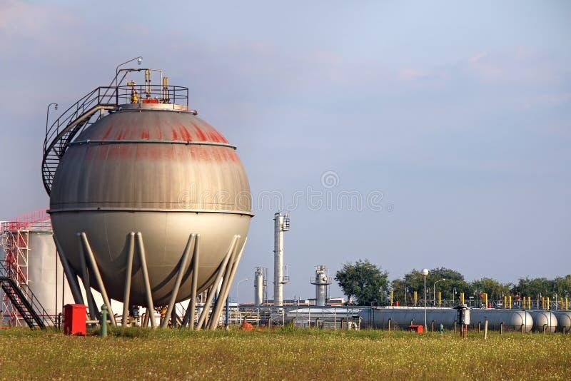 Olje- behållare för raffinaderi arkivfoton