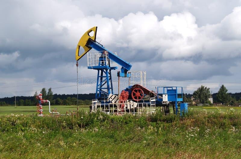 Olje- gungstol i den Kaliningrad regionen, Ryssland arkivfoto