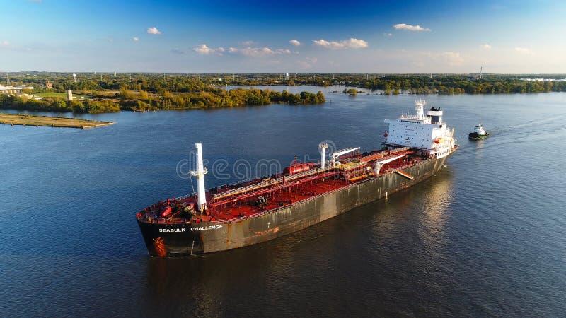 Olje- kemiskt tankfartygDelaware River Philadelphia PA royaltyfria bilder