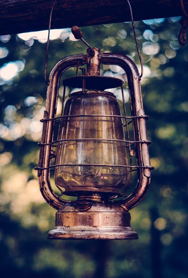 Olje- lampa för tappning med det Retro filtret arkivbild