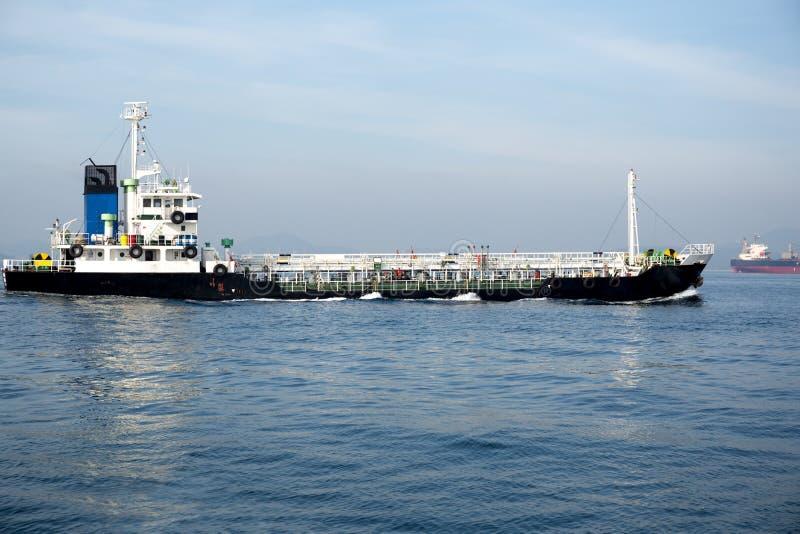 Olje- och kemiskt kommersiellt tankfartygskepp arkivbild