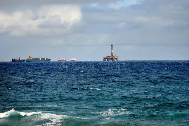 Olje- plattform royaltyfri bild