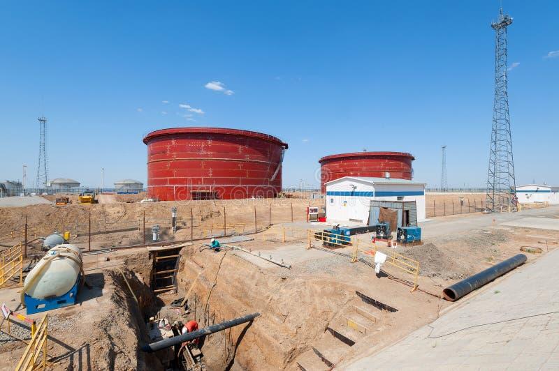 Olje- pumpa stationskonstruktion arkivbilder