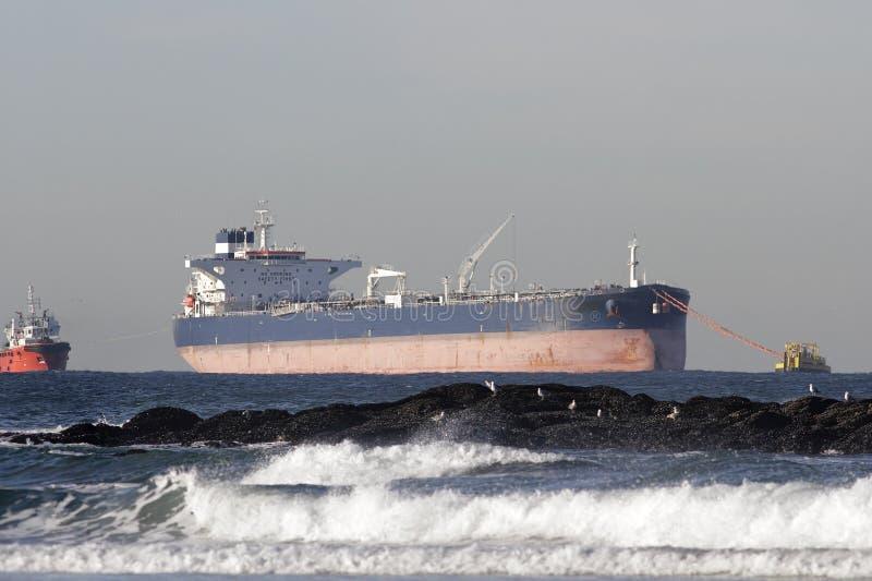 Olje- tankfartygavlastning royaltyfri bild