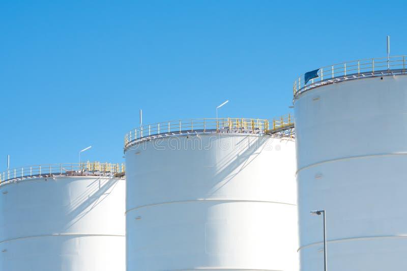 Download Oljebehållare arkivfoto. Bild av energi, diesel, stort - 19781454