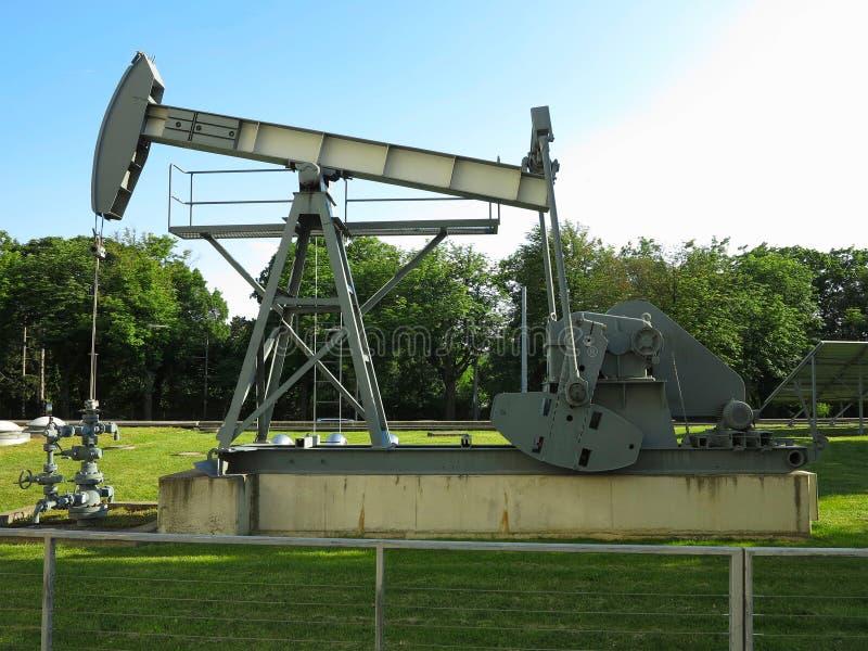 Oljeplattformpumpmaskin för industriell utdragning för rå oljor fotografering för bildbyråer