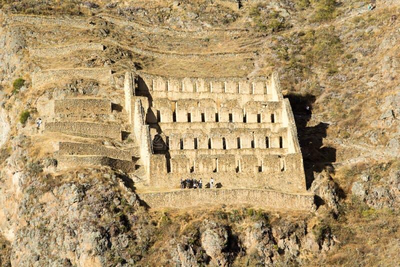 Ollantaytambo - alte Inkafestung und -stadt die Hügel des heiligen Tales (Valle Sagrado) in den Anden-Bergen von Peru, Südmorgens lizenzfreies stockfoto