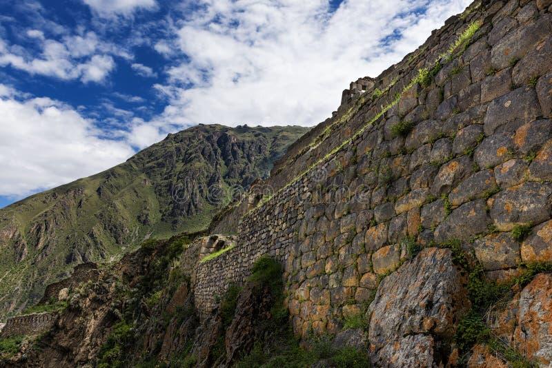 Ollantaytambo fördärvar, i den sakrala dalen, Peru arkivbilder