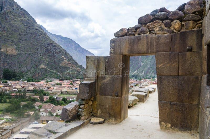 Ollantaytambo, Perú Ruinas de Inca Fortress en el Temple Hill foto de archivo