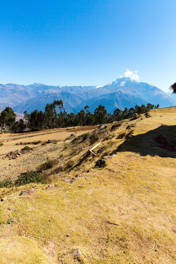 Ollantaytambo Peru, Inca fördärvar och den arkeologiska platsen i Urubamba, Sydamerika arkivbild